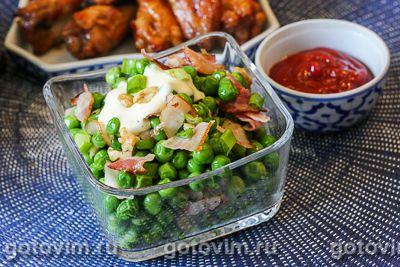 Салат из зеленого горошка с беконом