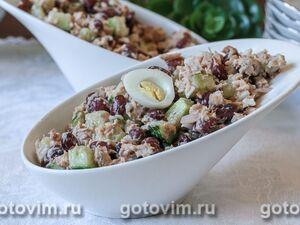 Салат из фасоли с консервированной горбушей