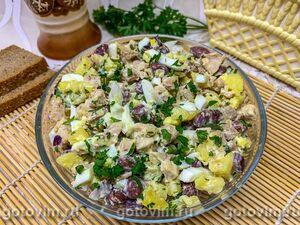 Салат из мяса кролика с фасолью, картофелем и яйцом