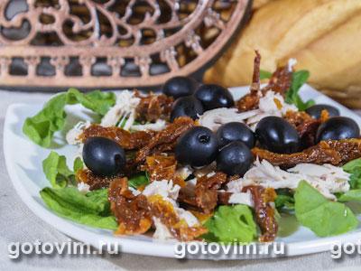 Салат с курицей и вялеными помидорами Рецепт с фото