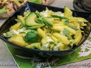Салат из манго с авокадо и сыром моцарелла