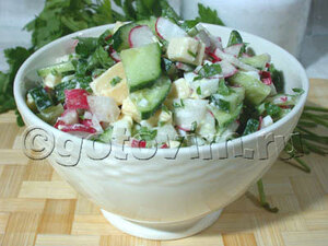 Салат из редиса с овощами
