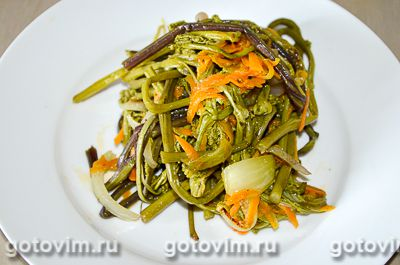 Салат из папоротника по-корейски