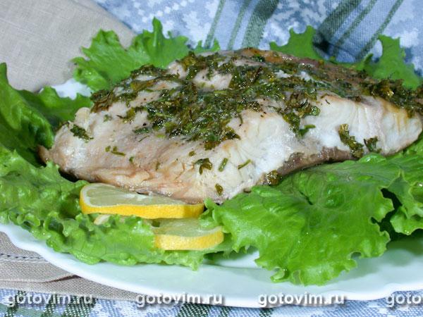Сазан запеченный в духовке в фольге с зеленью и сливочным маслом