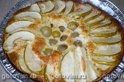 Шарлотка на сгущенном молоке с яблоками и виноградом, Шаг 05