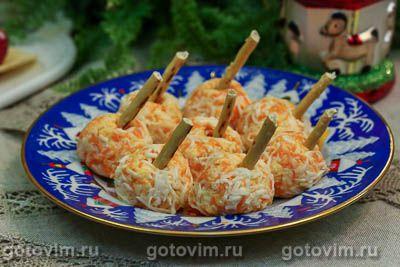 Закусочные шарики с соленой сельдью и морковью. Фотография рецепта