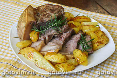 Фотография рецепта Свиная шейка с картофелем в рукаве