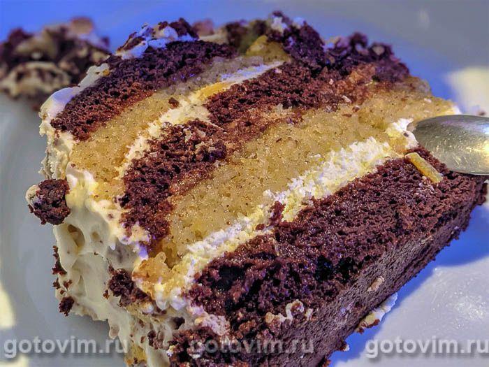 Шоколадный торт на пиве с фундуком, сливочным кремом и апельсиновым курдом