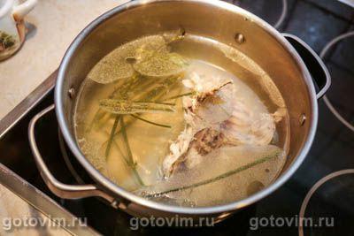 Щи из свежей капусты с курицей и фасолью