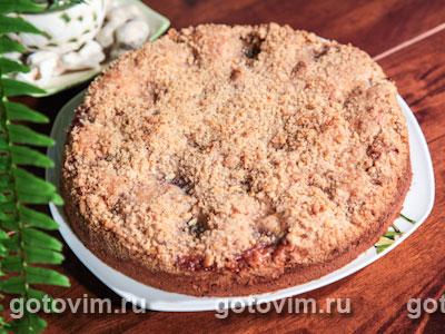 Сливовый пирог с ореховым штрейзелем. Фотография рецепта