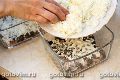 Слоеный салат с копченой курицей и грибами, Шаг 05