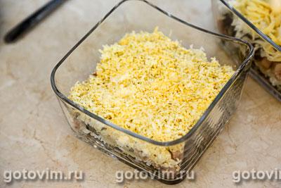 Слоеный салат с копченой курицей и грибами, Шаг 07