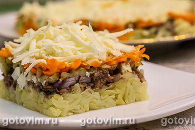 Слоеный салат со шпротами и плавленым сыром