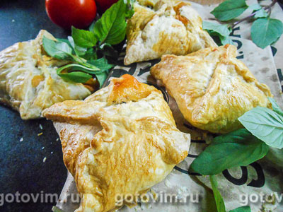 Фотография рецепта Закусочные слойки «Капрезе»