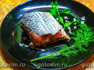 Соленая морская рыба в тузлуке