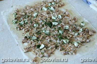 Штрудель с лисичками и сыром моцарелла, Шаг 05
