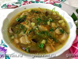 Суп с маринованными в соевом соусе яйцами цесарки и лапшой удон, пошаговый рецепт с фото