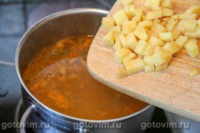 Суп с фрикадельками и зеленым горошком, Шаг 07
