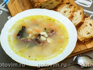 Суп с копченым гусем и белой фасолью