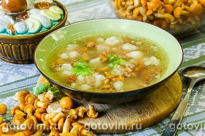 Суп из лисичек с цветной капустой и беконом