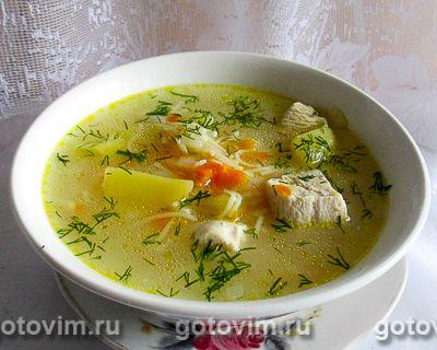 Куриный суп с вермишелью «паутинка» и колбасным сыром в мультиварке