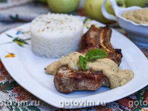 Свиные котлеты на косточке с яблочным соусом