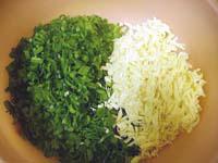 Фотографии рецепта Рулетики из свинины с зелёным луком и сыром, Шаг 02