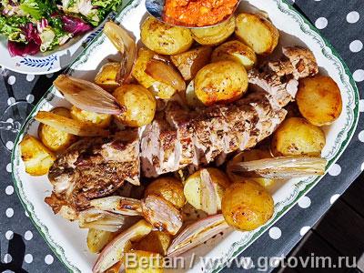 Фотография рецепта Свиная вырезка в духовке с соусом ромеско