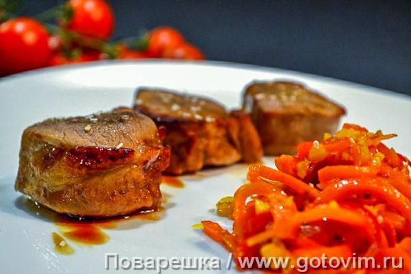 Свиная вырезка в соусе терияки с пряными овощами. Фотография рецепта