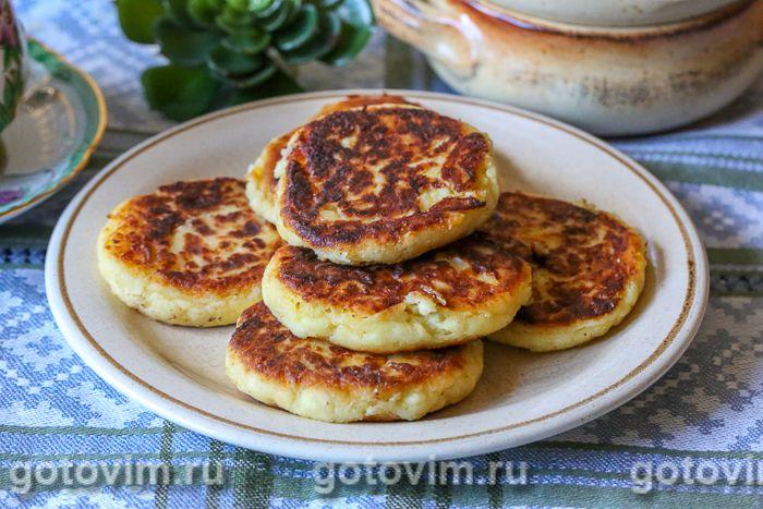 Как приготовить сырники из творога: простые рецепты с манкой, картошкой