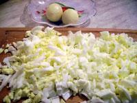Фотографии рецепта Салат из печени трески, Шаг 02