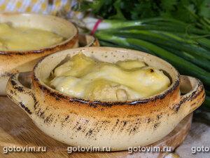 Фрикадельки  в соусе бешамель, запеченные в горшочках
