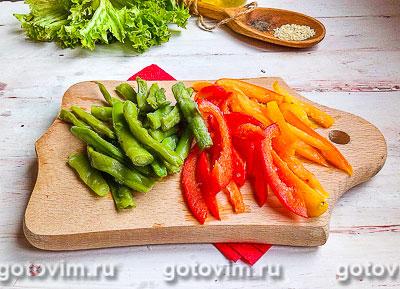 Тёплый салат из курицы с грибами и овощами, Шаг 04