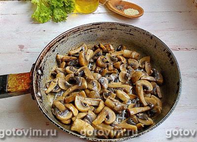 Тёплый салат из курицы с грибами и овощами, Шаг 06