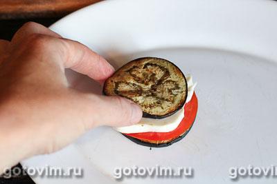 Теплый салат с баклажаном и сыром моцарелла, Шаг 06