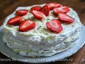 Торт безе с маскарпоне и клубникой