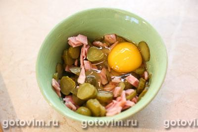 Тосты с колбасой, огурцами и сыром, Шаг 03