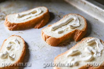 Тосты с сосисками, огурцом и сыром, Шаг 02