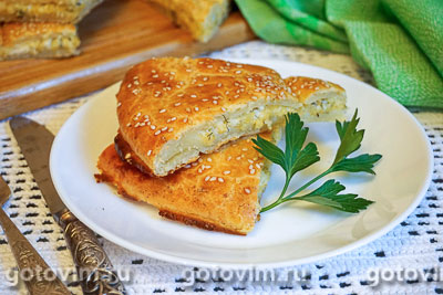 Фотография рецепта Творожная лепешка с сырной начинкой