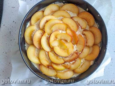 Творожный пирог с персиками и воздушной меренгой, Шаг 11
