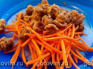 Соевое мясо на сковороде