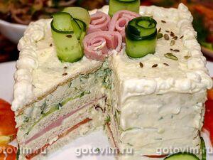 Закусочный торт с сыром, ветчиной и овощами