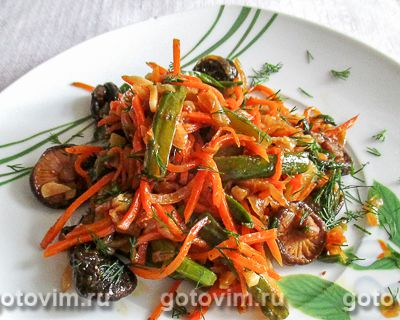 Закуска из сухих грибов шиитаке и корейской моркови в мультиварке