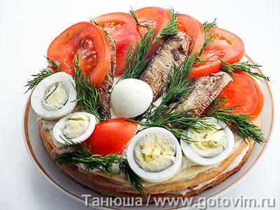 Закусочный торт с рыбой. Фотография рецепта