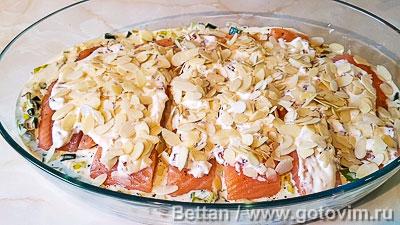 Запеканка из семги с пореем и розочками из картофельного пюре, Шаг 05