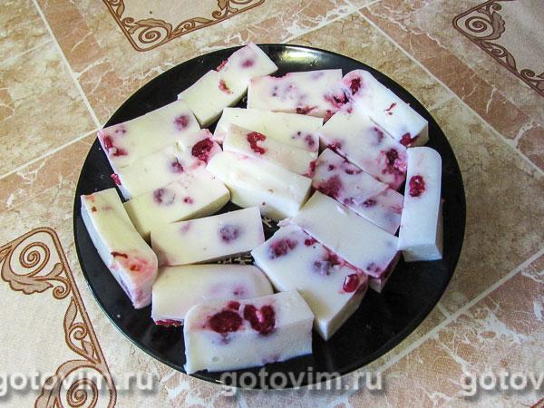 Желе из йогурта с малиной. Фотография рецепта