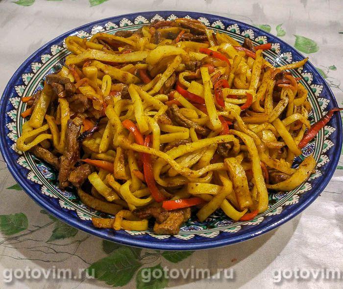 Цуйван - монгольская лапша с овощами и мясом