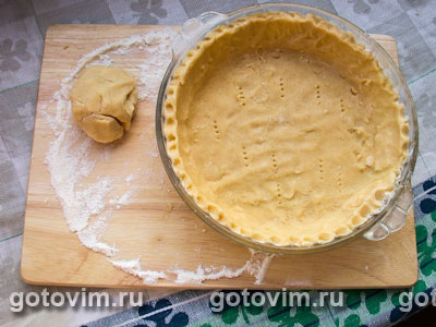 Открытый песочный пирог с черникой