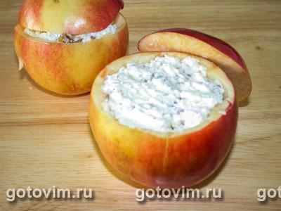 Фаршированные яблоки с творогом и орехами