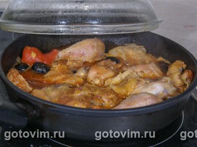 Курица с помидорами и маслинами